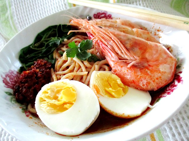 Prawn noodles with Dollee instant paste 2