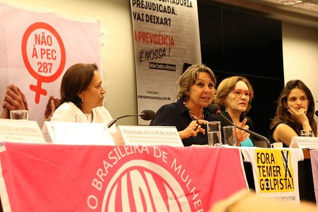 Reforma da Previdência tende a penalizar gênero feminino, dizem entidades