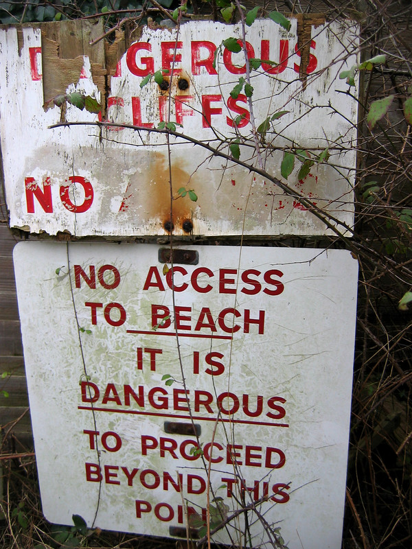 Fairlight Cove beach access