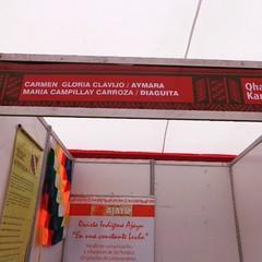 Instalados con monos y petacas en la Feria de Artesanos indígenas jijiji #jallalla :girl::thumbsup::blush: