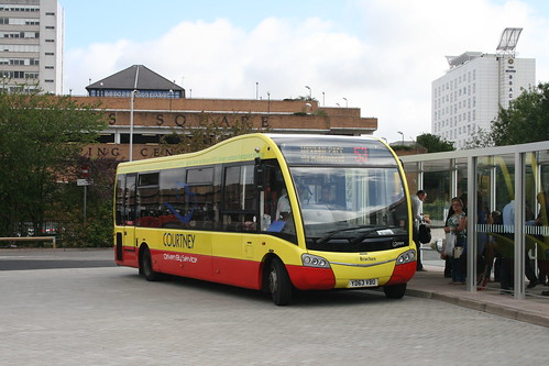 Courtney YD63 VBO on Route 53, Bracknell Bus Station