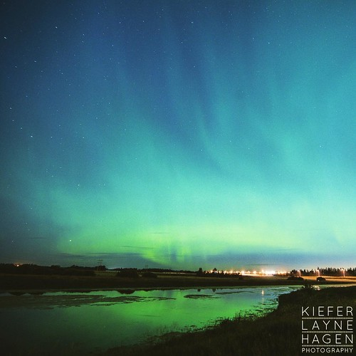 #nature #stars #sky #night #longexposure #alberta #astrophotography #astro #amazinglongexposure #nightsky #star #nightimages #cabin #canada #FramesCatcher #photo #yeg #photographer #fineart #landscape  #intothewild #KLH #northernlights #aurora #aurorabore