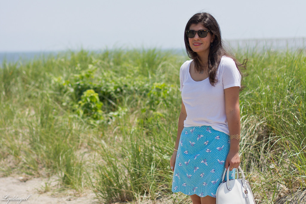 white tee, blue scalloped honey bee skirt, white bag.jpg