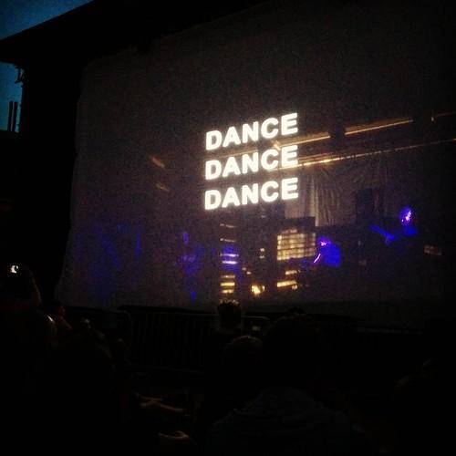 Openluchtfilm en concert ineens. #midzomerleuven #arsenal #dancedancedance