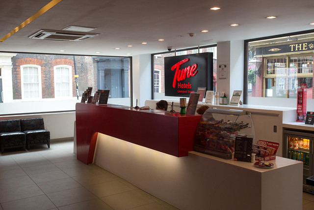 Tune Hotels Liverpool St. Station