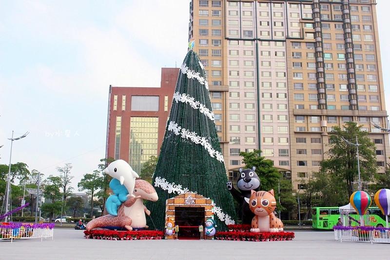 30779812843 923a037465 b - 2016台中耶誕YA!耶誕嘉年華,市政廣場耶誕節系列活動,讓你白天與夜景一次看個夠