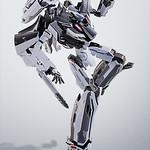 翱翔天空的死神 DX超合金 《超時空要塞Δ》VF-31F 齊格菲(梅薩機) ジークフリード(メッサー・イーレフェルト機)