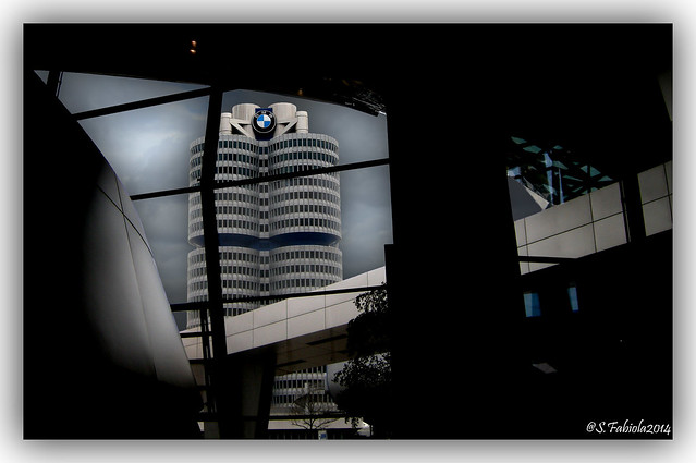 BMW Center, Nikon COOLPIX P5100