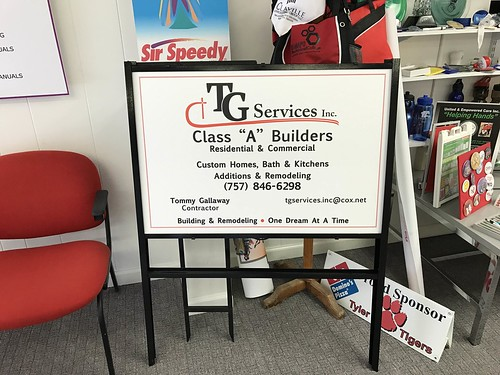 Outdoor Signs / Outdoor Signage