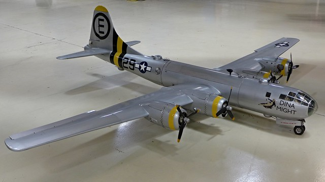 Modell: B-29 'Dina Might'