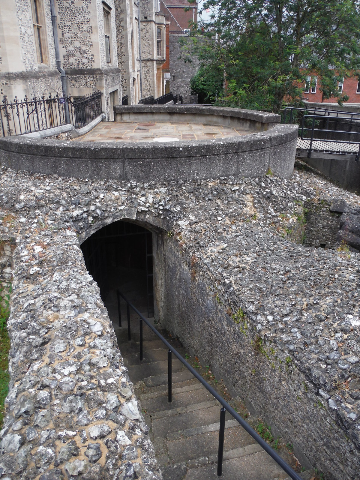 Ancient Passageways near the Great Hall SWC Walk 15 : Winchester Circular