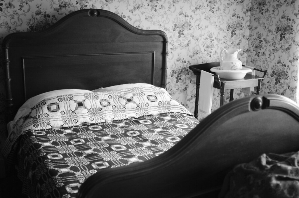 Bed at Ireland House in Burlington