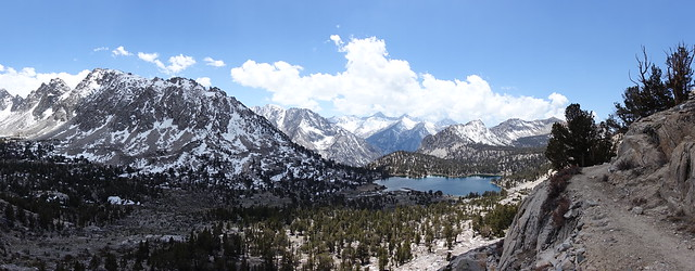 Kearsarge Pass trail above Bullfrog Lake
