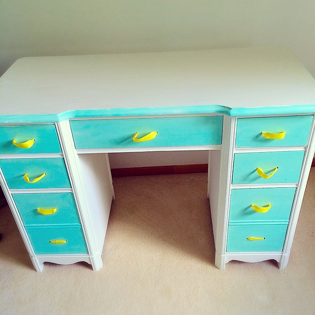 Repainted this vintage vanity that used to be my daughter's desk and will now be makeup table💄❤️ #vintage #furniture #diy #turquoise #yellow