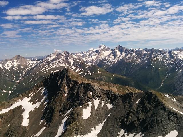 Panoramablick Richtung Rötspitze vom Gipfel der Dreieckspitze