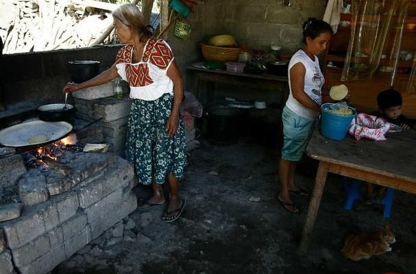 Ingreso de hogares cayó 3.5% entre 2012-14: Inegi