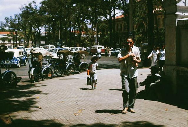 SAIGON 1966 - Street Scene