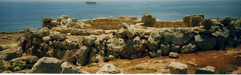 Mnajdra - megalithic temple complex