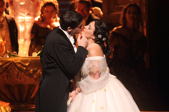 Ismael Jordi as Alfredo and Sonya Yoncheva as Violetta in La traviata, The Royal Opera © 2015 ROH. Photograph by Catherine Ashmore