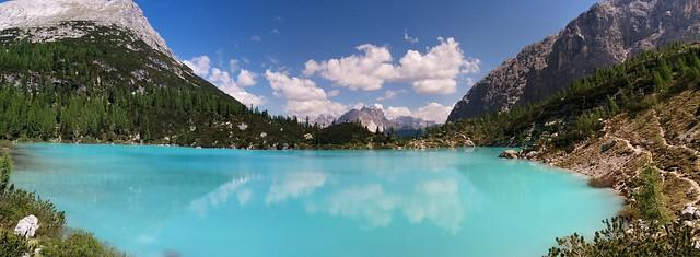 Blick auf den türkisblauen Sorapiss-See