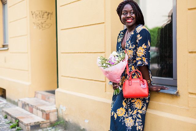 lois-floral-29  fashion week street style