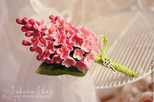 pink lilac brooche