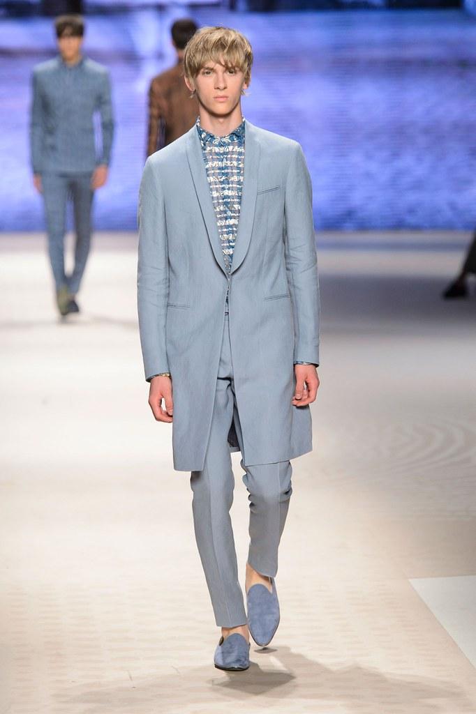 Dominik Sadoch3357_SS16 Milan Etro(fashionising.com)