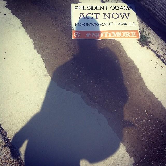 #not1more, manif devant le Capitole.