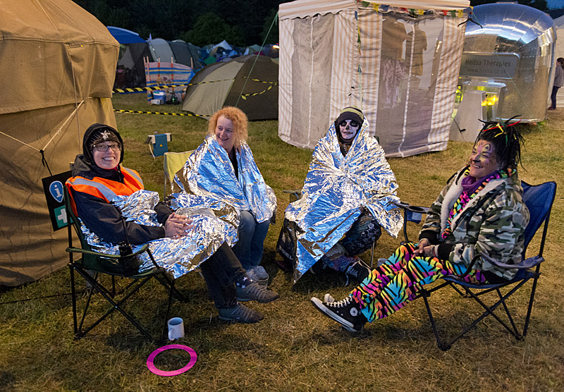 Keeping warm with the help of silver foil, Saturday night