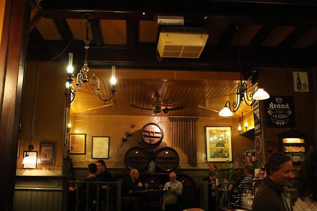 Bruin Café
