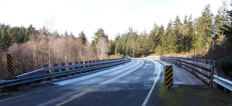 """Old Gardiner Road Bridge: The bridge is new, but the road is """"Old Gardiner Road."""""""