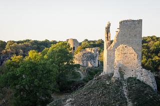 Ruines du château de Crozant, au bord de la vallée des peintres - Carte de France touristique