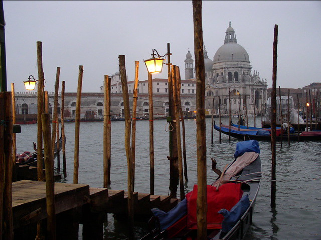 Venice at dusk in winter, a destination offered by specialist travel companies like Bellini Travel