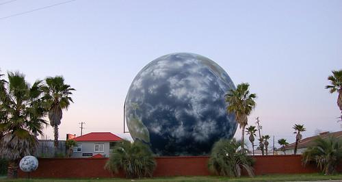 Savannah Globe