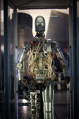 armour(0.0), iron man(0.0), display window(0.0), screenshot(0.0), action figure(0.0), comics(0.0), machine(1.0), mecha(1.0),