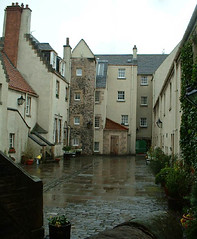 Edinburgh Whitehorse Close from rear
