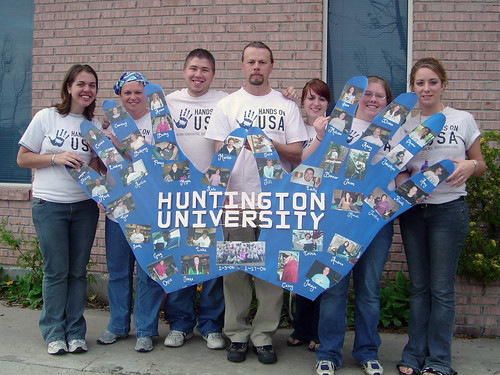 handsonusa huntingtonuniversity postkatrina volunteer volunteering january2006 jterm2006 2006 artsandcrafts art hands hand group