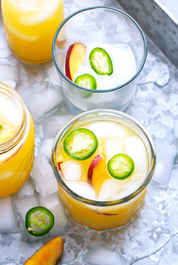 Peach Agua Fresca - A cool and refreshing drink that's refined sugar free and perfect to chill out with this summer! #aguafresca #peaches #peachtea   Littlespicejar.com