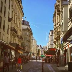 Un début de ciel dans le XViiième, Paris @yaya_bast  #France #sky #gwada