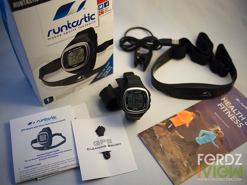 Unboxing the Runtastic GPS Watch