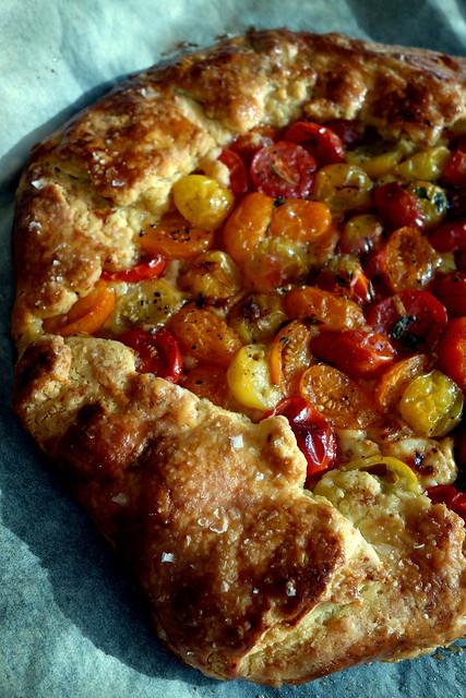 Tomato crostata