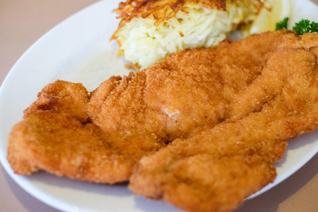 Darlinghurst Cafes: UNA'S Chicken Schnitzel