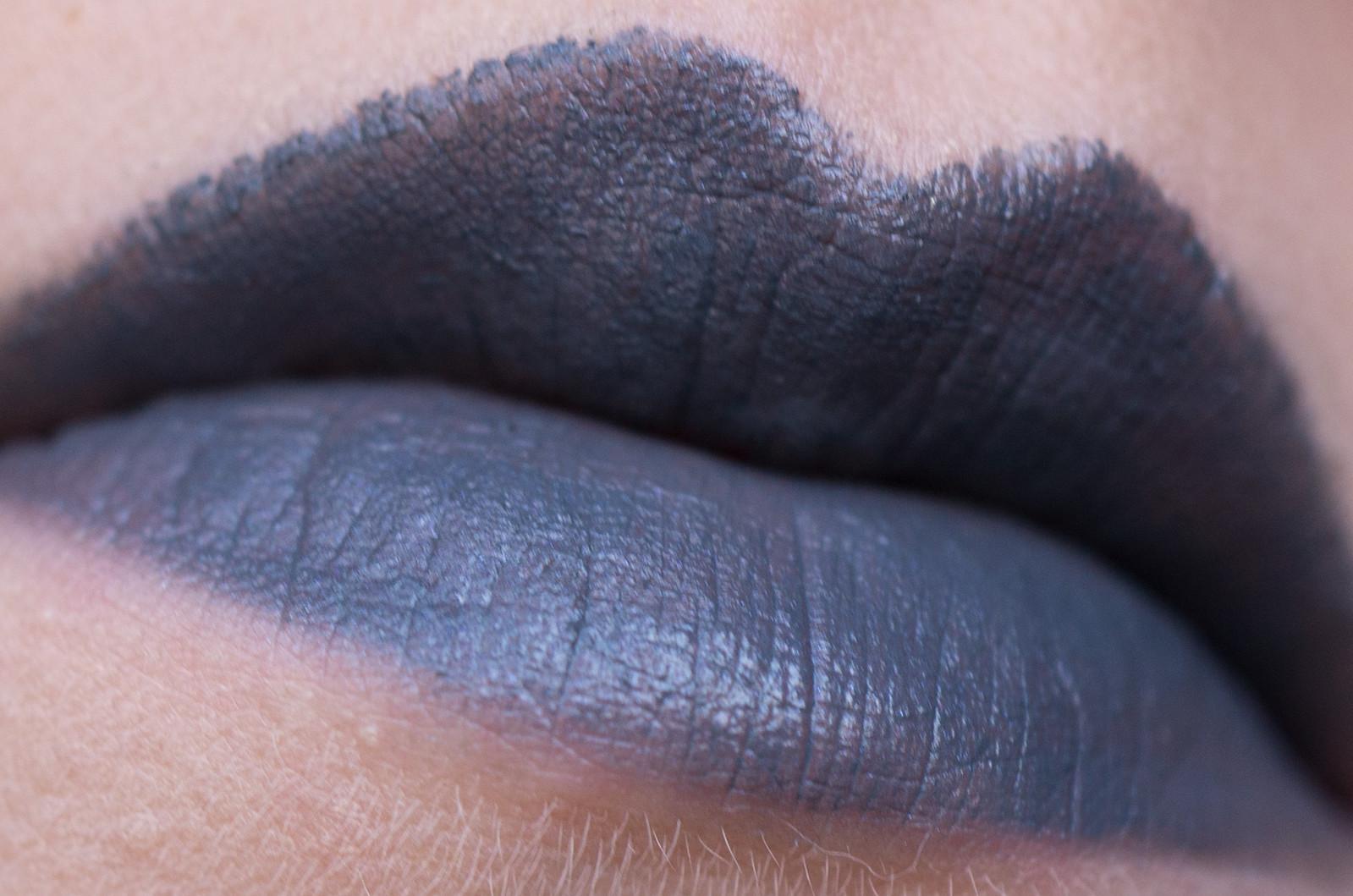 Kiko Milano Velvet Passion Matte Lipstick Crazy Colours 324 Slate Gray