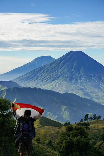 travel indonesia landscape hiking sony traveler treking dieng prau pendaki sindoro sumbing pendakian nex5t