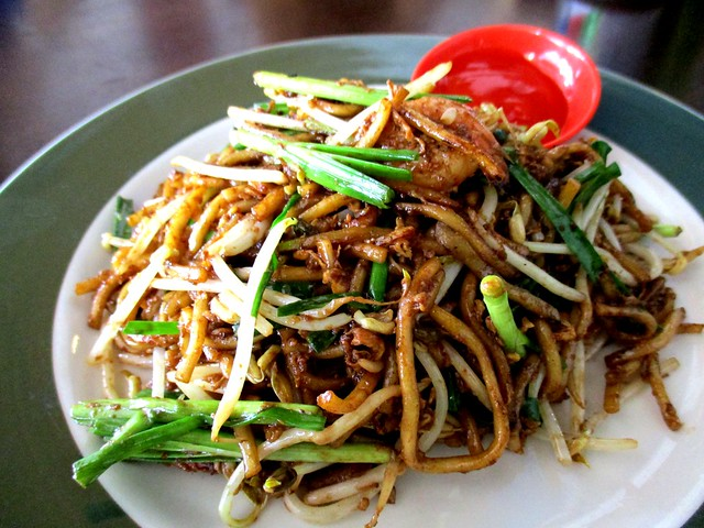Colourful Cafe fried mee