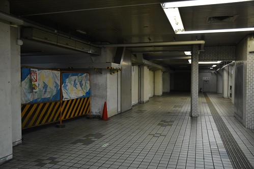 東成田駅:改札内