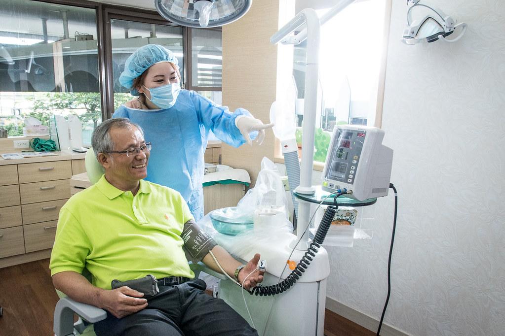 舒適如家的牙醫診所-帶爸爸到高雄人本自然植牙 (15)