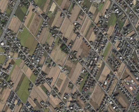 倉敷市福田の斜め格子の街路(Google航空写真)