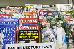 banner(0.0), newspaper(0.0), poster(0.0), tabloid(1.0), magazine(1.0), advertising(1.0),