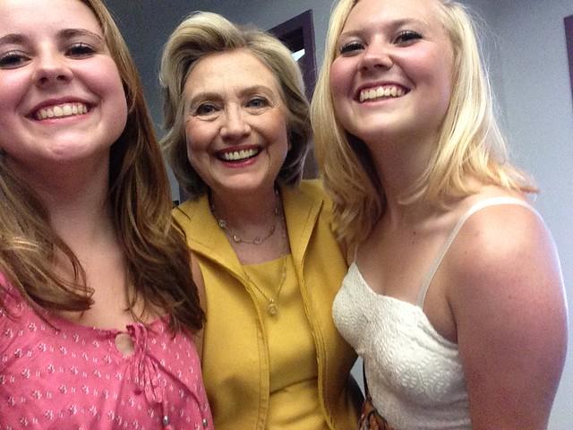 18-Hillary-Clinton-Emma-Addy-Nozell-Nashua-NH-20150728-HQ
